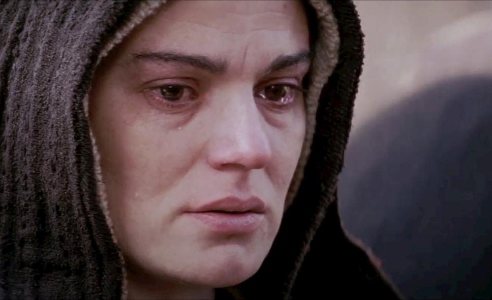 Maria chorando em Paixão de Cristo